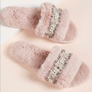 Shoes - House Pearls House Slippers